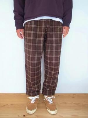 GRAMICCI WOOL BLENO TUCK TAPERED PANTS BROWN CHECK